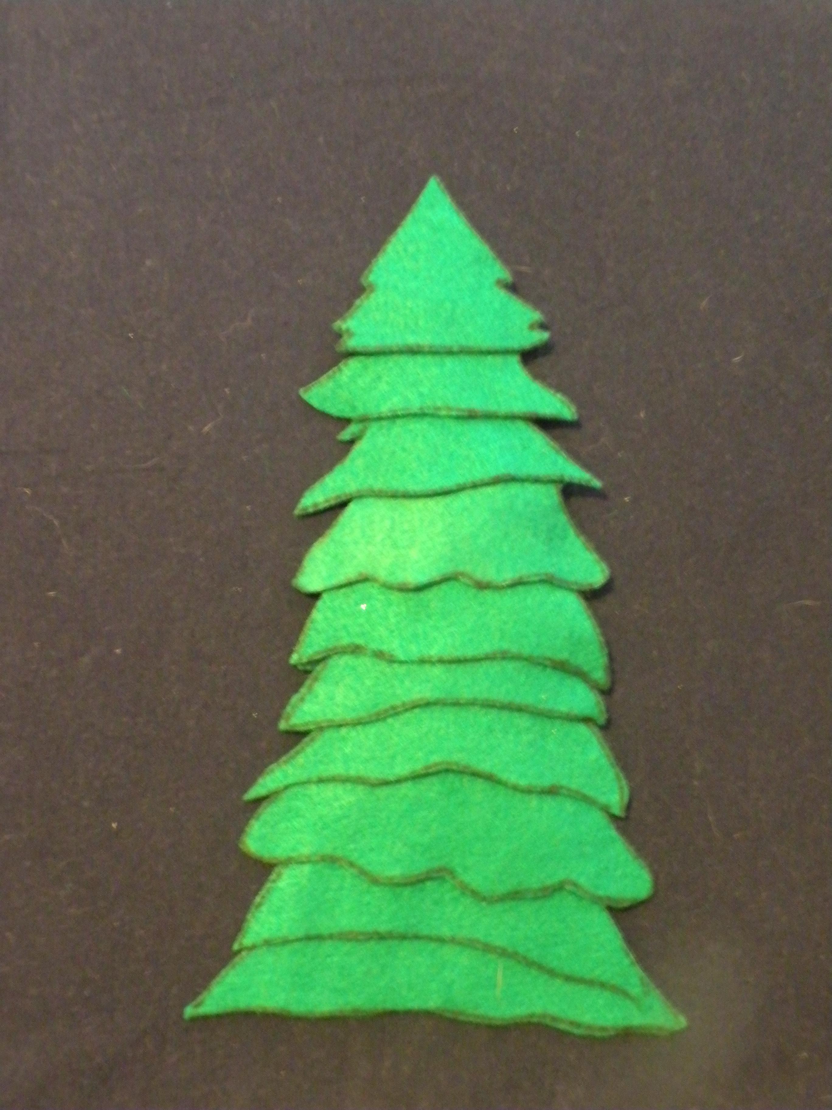 Make A Felt Christmas Tree